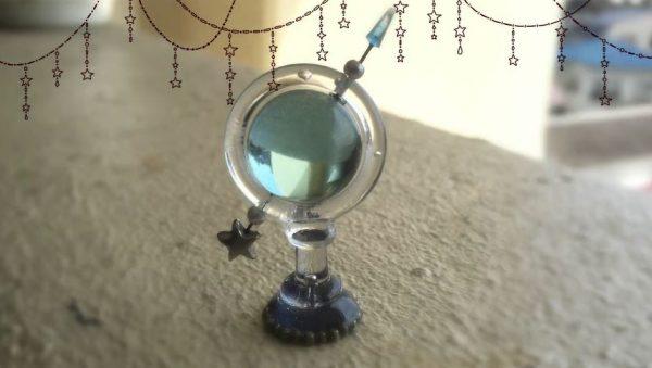 ラムネのガラス玉で作った天球儀。キラキラと輝く夏らしい作品に「ふつくしい」「言い値で買おう!」