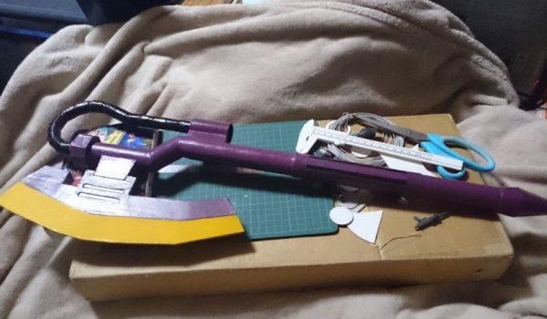 『機動戦士ガンダム』ザクのヒートホークを作ってみた! 紙製ながら巨大なプラモデルのような仕上がりに「仕事が丁寧だなぁ」「絵になるな」の声