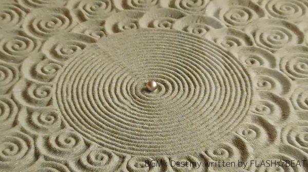 """鉄球が「枯山水」を描くテーブルを作ってみた! """"謎技術""""で実現した幾何学な砂紋に「すごい」「なるほどね(理解してない)」の声"""