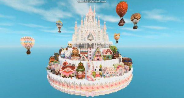 """海に浮かぶ巨大な""""ケーキ島""""が『マイクラ』に登場…! 四季をコンセプトに組み上げられた建築センスに「夢の国」「天才すぎ」と称賛の声"""