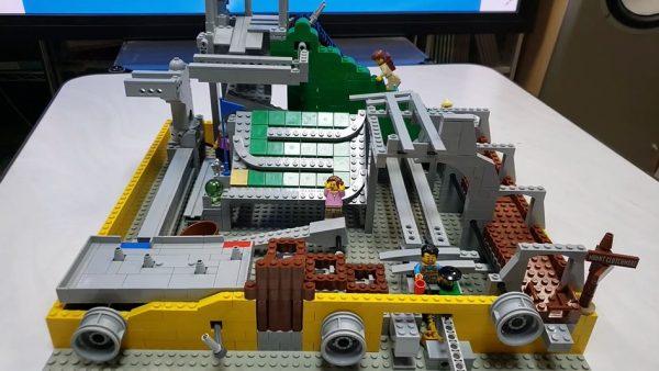 レゴで「アスレチックランドゲーム」を再現! ギミック盛り沢山のレトロ感あふれる作品に「懐かしすぎて泣きそうになった」の声