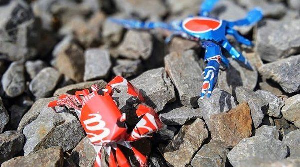 """コーラ缶で2匹のカニ""""コカ甲羅&ペプシ甲羅""""を作ってみた! CADを駆使したハイクオリティな仕上がりに「コーラゼロ版も欲しいなー(チラッ」"""