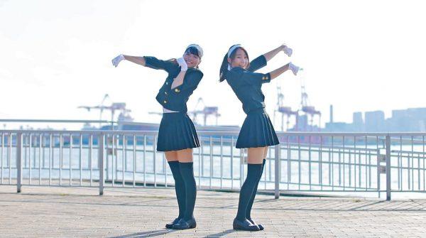 学ラン×ミニスカのコンボで応援しちゃうゾ! 全力笑顔の二人による脚線美が眩しすぎるダンスに「カッコ可愛い、最高でした!」の声【踊り手:まりやん、りりやん】