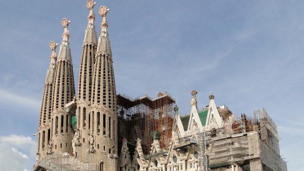 未完の教会『サグラダ・ファミリア』の歴史トリビア集はいかが?――「着工時の建築家はガウディではない」「IT技術で工期150年短縮」