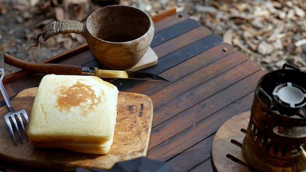 """ホットサンドメーカーで四角いホットケーキを作ってみた! """"キャンプの締め""""に甘いヤツが完成するも「帰りたくない」の嘆き"""