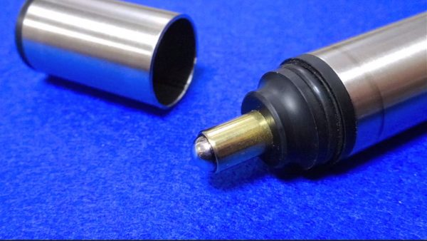 """ボールペン、大きく作れば自作できるんちゃう? ステンレス水筒っぽい見た目の""""0.6cmボールペン""""が完成"""