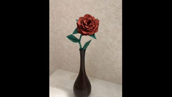 """折り紙1枚で""""薔薇""""を折る方法が細かすぎ! 「まずは縦横に46等分します」と初手からして高難易度で無理ゲーみある"""