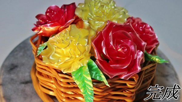 """カーネーションとバラを飴細工でアレンジ! """"食べられるブーケ""""でお母さんへの""""感謝の気持ち""""を美味しく伝えてみた"""