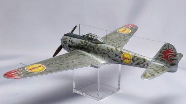 『荒野のコトブキ飛行隊』仕様の1/72スケール「隼」を作ってみた…丁寧に作られた戦闘機のプラモデルは見入ってしまう完成度!