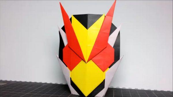 『仮面ライダーゼロワン』の仮面ライダーゼロツーを折り紙にしてみた! 折り方全工程を公開、3枚の折り紙でかっこいいヘッド完成