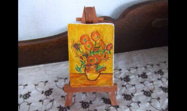 """ゴッホの「ひまわり」を小さなキャンバスに描いてみた! """"ミニチュアサイズ""""の名画の模写に「おおおおおお」と興奮の声"""