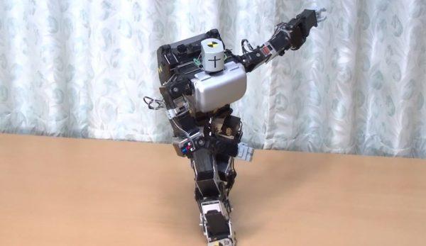 """ロボット・バレリーナが優雅に踊る! クルクルと回って魅せた""""連続ターン""""に「カッコイイ」「ロボットもここまできたか」の声"""
