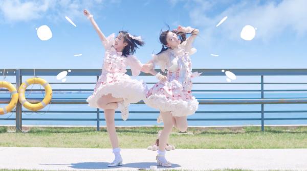 スタイル抜群の美脚中国娘×2が踊ってみた! 元気100%で仲良しすぎる2人の『なでなで』を踊る姿に「ステキすぎます!」の声【踊り手:坎蒂、褶褶】