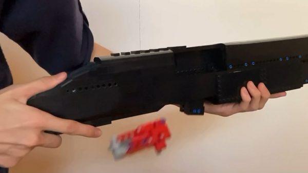 レゴで「ショットガン」を作ってみた! 見事に再現されたポンプアクション式のレゴ銃に「すばらしい」の声