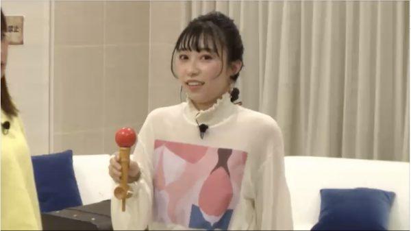"Aqours声優・小林愛香が""オシャレ民泊""でゲームに挑む!必死に「けん玉」をする姿がキュートすぎた生放送を振り返ってみた"