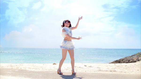 きゃわわすぎる水着美少女が沖縄の海をバックに踊ってみたよ! 太陽に負けない100%笑顔に「幸せが溢れてるわ」の声