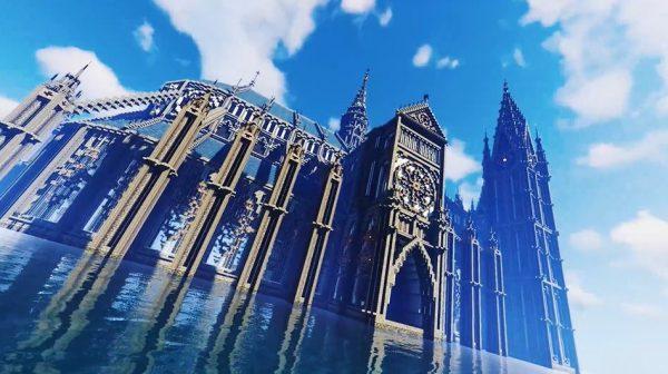 """マインクラフトで「大聖堂」を作ってみた…バラ窓が美しい""""ゴシック建築""""が丁寧な作り方解説と共に完成!"""