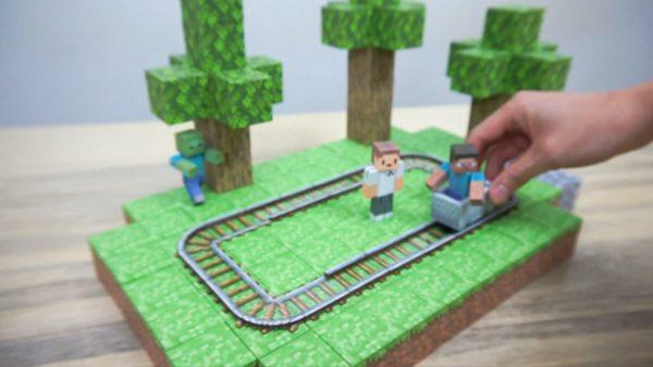 『Minecraft』の動くトロッコをペーパークラフトで作ってみた! モーターと紙の融合にワクワク感が止まらない⁉