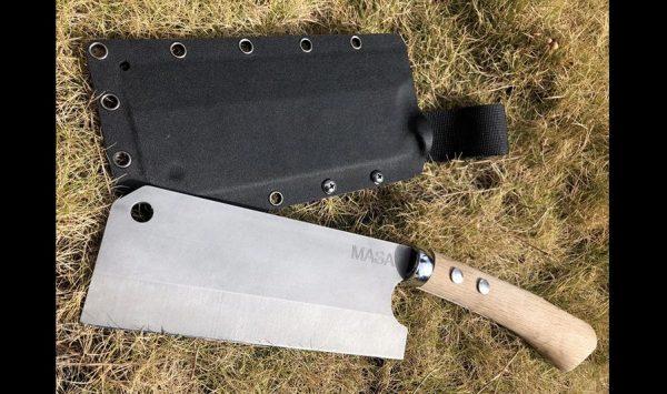"""一枚の金属板から「鉈」を作ってみた! 紙から木までお任せの""""鋭い切れ味""""に「いい質感」「こんなに斬れるのか」の声"""