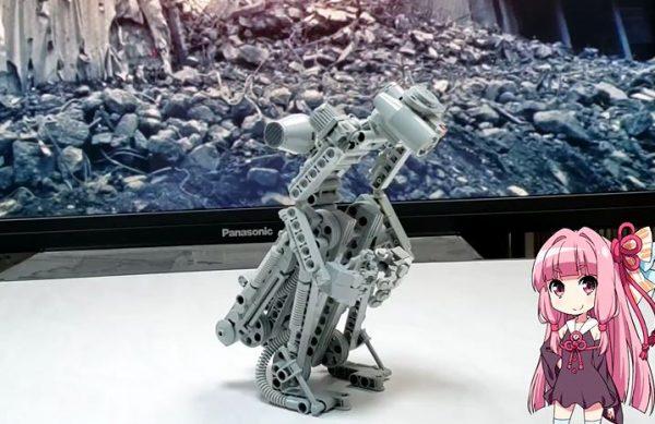 廃墟の中でうずくまるロボット…レゴで作ったディストピア感ある作品に「いいね」「実にメカニカル」の声