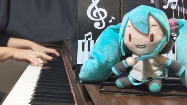 """""""にゃ""""だけで歌う『にゃん酷なにゃんこのテーゼ』を初音ミクに歌わせてみた! ポップキュートな声質が歌詞(?)とベストマッチ"""