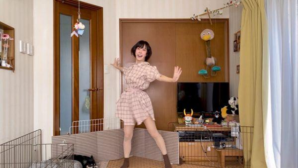 でんぱ組.inc 愛川こずえが『ディスコミュ星人』を踊ってみた! 照れ笑いとキビキビダンスのギャップに「世界一かわいいよ~」の声