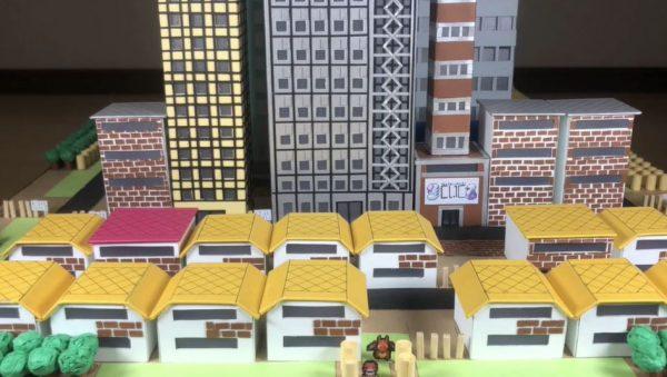 """初代ポケモン「ヤマブキシティ」を紙で作ってみた スマブラのステージを盛り込んだ""""明かりが灯る""""ジオラマに「これはいいな!」「素晴らしい」の声"""