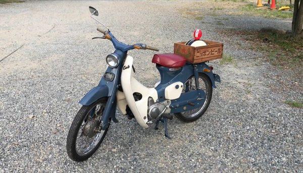 1960年式のスーパーカブC102を購入! 昭和レトロなバイクが現役で走る姿に「渋いなあ」「いろんな意味でさすがカブ」の声