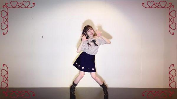甘々ガーリーな美少女が小悪魔チックに踊ってみた! 見る者を魅了する怪しげなダンスに「可愛いわぁ」「見惚れてしまう」