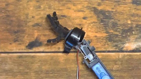 ガンプラサイズのモビルスーツのマニピュレーターを作る猛者あらわる!? 滑らかに動く指がすごい…!