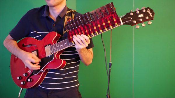 ギター演奏を機械化するとどうなる…? 大正琴を応用したギター演奏は、かなり本格的だった!