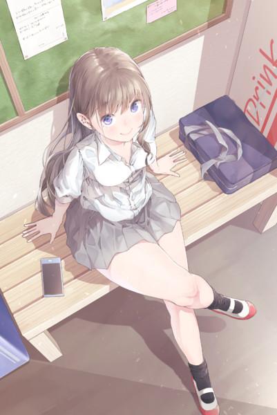 交差する美脚に思わずうっとり… 『足組みしている女の子』キャラクターイラスト集